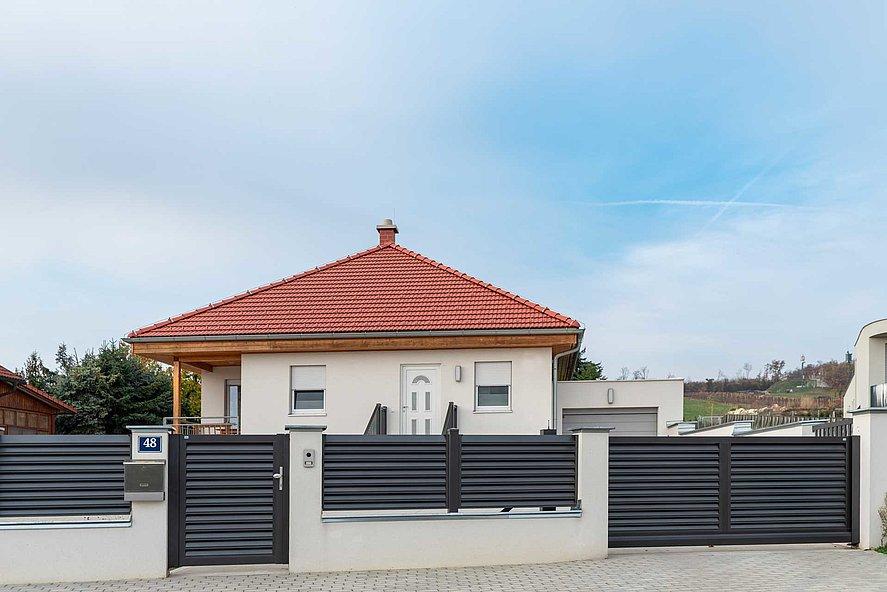 Super-Clôture, Goethe, Göthe, France, clôture à lamelles, Trento, opaque, moderne, porte piétonne, portail coulissant, portail